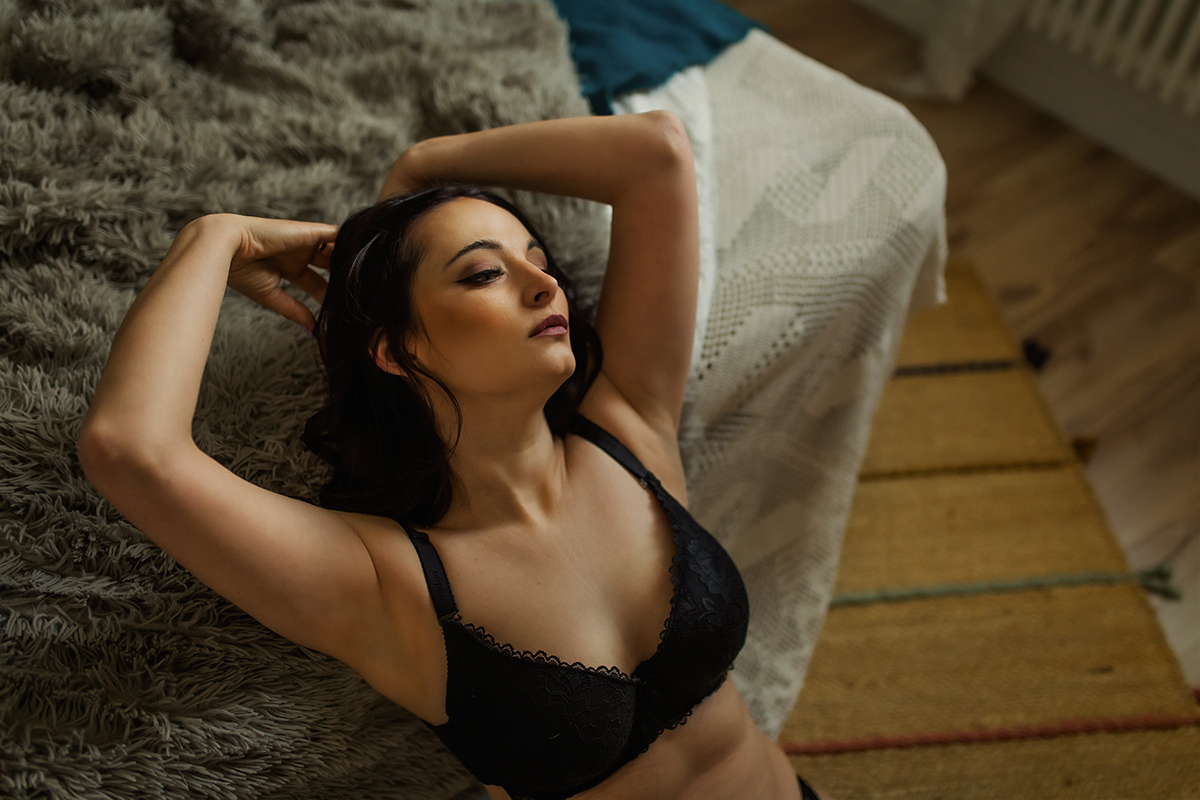 Zdjęcie kobiety z kobiecej sesji sensualnej